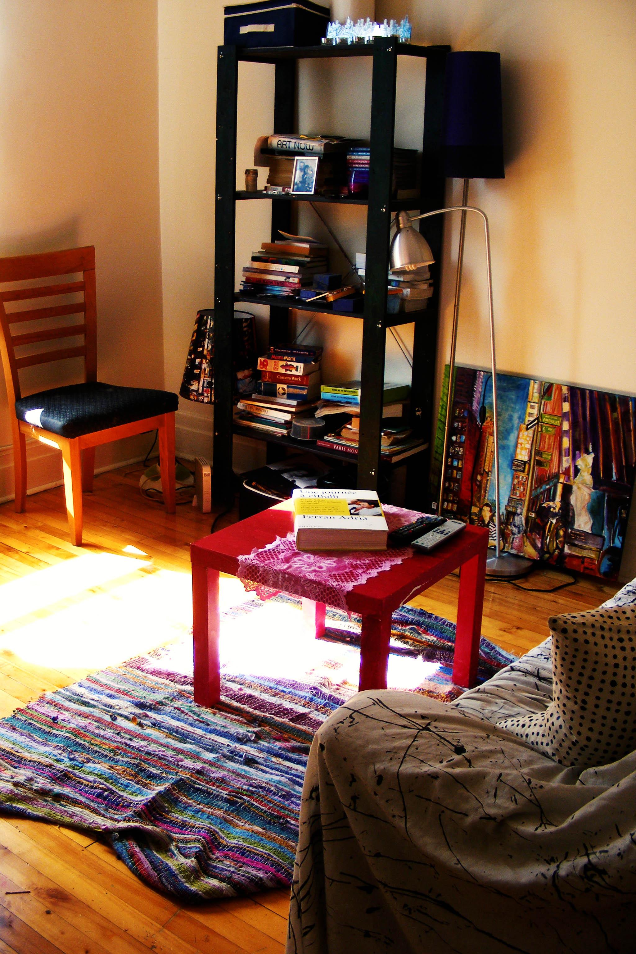 Artsy Living Room: A Storytelling Home