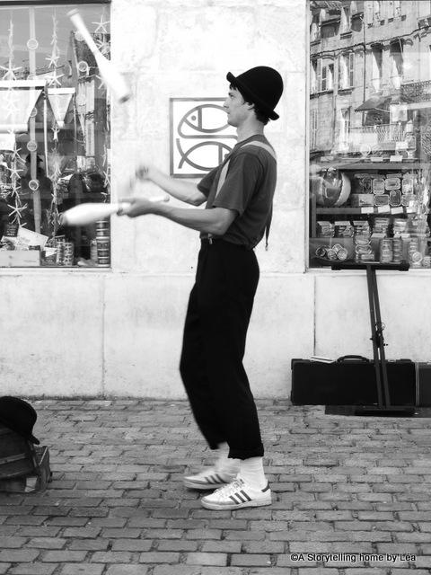 Street performer La Rochelle