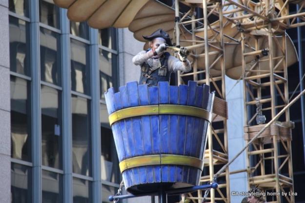 Cirque du Soleil Macy's Thanksgiving day parade New York