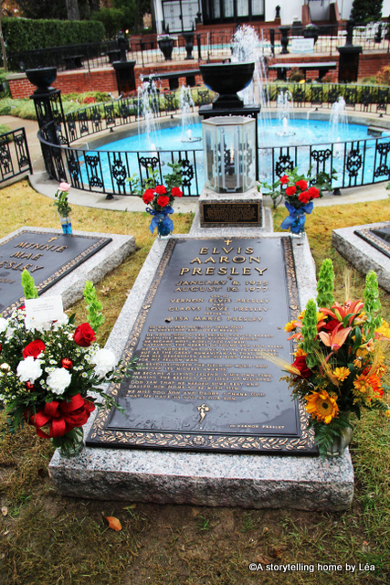Elvis Presley grave Graceland Memphis_ A Storytelling Home