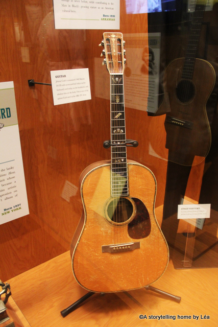 Johnny Cash guitar Nashville Country music hall of fame_A storytelling Home